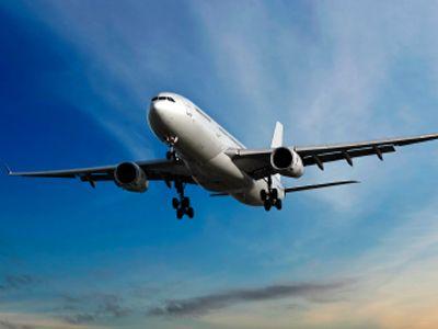 Zbori des cu avionul? Cele mai sigure 10 companii de transport aerian. Cum a interpretat KLM Romania lista pe Facebook