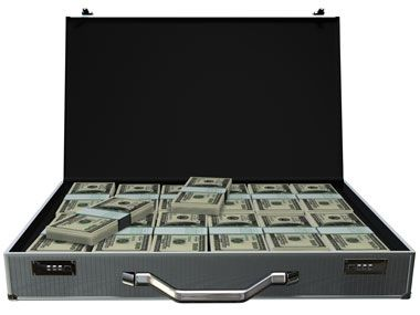 Gata cu salariile si bonusurile care nu incap in geamantan. UE cere limitarea prin lege a lefurilor bancherilor