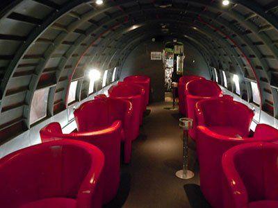 Foste aeronave, transformate in baruri sau restaurante. Top 5 localuri  aeriene  GALERIE FOTO