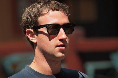 Analisti: Facebook a concediat-o pe sefa Yahoo. Veniturile au dat Like si s-au dublat in primul semestru. Cat valoareaza acum compania lui Zuckerberg