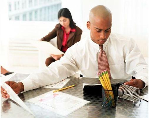5 secrete care-ti asigura fericirea la birou