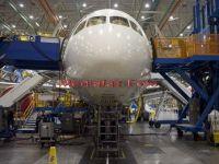 Avionul sarbatorit cu petreceri. Boeing 787 Dreamliner a devenit, in sfarsit, realitate. Dupa 3 ani de amanari si costuri de miliarde de dolari, a fost vandut. GALERIE FOTO