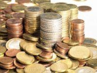 Grecii taie salariile functionarilor publici cu pana la 40%