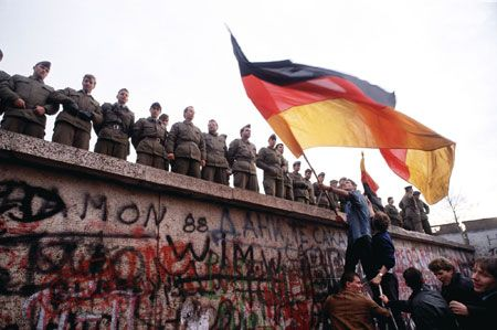 Pretul unei tari. Germania de Vest a vrut sa cumpere partea comunista de la URSS, cu 20 de miliarde de dolari