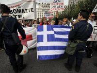Liderii europeni nu lasa Grecia sa se prabuseasca. Reprezentantii CE, FMI si BCE si-au dat acordul: alte 8 miliarde de euro ajung la eleni
