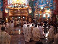 Speranta e la Cel de Sus. Romanii au cumparat milostenia lui Dumnezeu cu milioane de euro VIDEO