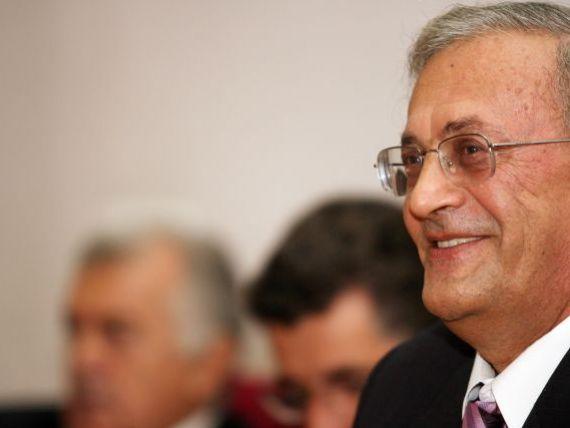 Presedintele Colegiului Medicilor, Vasile Astarastoae, are interdictie de a parasi tara. Acesta este cercetat intr-un dosar de frauda cu fonduri UE
