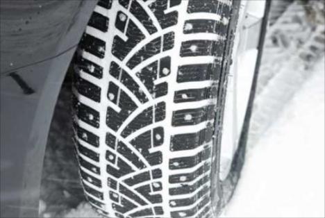 Cum recunosti anvelopele de iarna. Politia incepe sa dea amenzi pentru masinile nedotate corespunzator