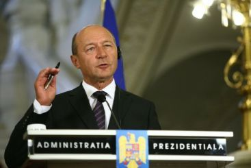 Basescu: Pensiile nu se vor micsora sau impozita suplimentar. Salariile nu se vor reduce