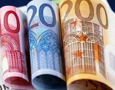 Bancile din Europa se clatina. WSJ: Statele din Europa Centrala si de Est ar trebui sa renationalizeze institutiile de credit