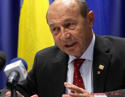 Romania ar putea ramane fara bani de pensii si salarii. Basescu:  Daca fluxurile de capital oferite de bancile mama s-ar micsora, nu am mai putea finanta bugetul de cheltuieli de anul acesta