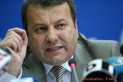 Ialomitianu: Cea mai buna varianta este sa mentinem pensiile si salariile la nivelul din 2011