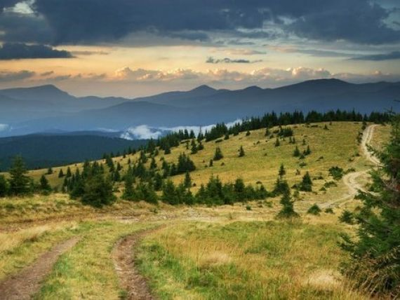 Financial Times, despre Romania:  Turistii trebuie sa vina sa vada aceasta lume inainte de a disparea