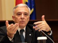 """Isarescu, intrebat despre trecerea la moneda euro in 2015: """"Sa depasim mai intai alegerile. Daca nu suntem pregatiti, avem destul timp sa schimbam termenul"""""""