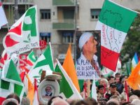 Inevitabilul s-a produs: Italia a fost ingenuncheata de pietele financiare