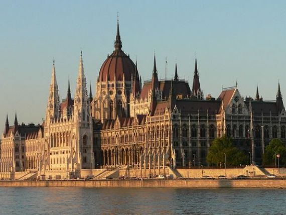Bomba cu ceas la granita. O alta tara europeana, vecina cu Romania, intra in iuresul crizei datoriilor