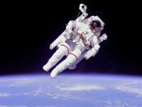 NASA angajeaza astronauti. Cat e salariul si ce trebuie sa faci ca sa zbori in spatiu
