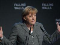 "Angela Merkel: ""Daca euro se prabuseste, Europa ii va urma"""