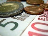 Ati imprumuta statul cu bani pentru a iesi din criza? Finantele ar trebui sa vanda titluri de stat populatiei, sustin analistii