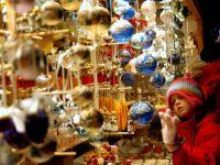 Dulciuri, bijuterii, jucarii si haine. S-au deschis targurile de Craciun in Capitala