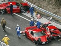 Cel mai costisitor accident inregistrat vreodata. Cum s-au facut praf opt masini Ferrari VIDEO