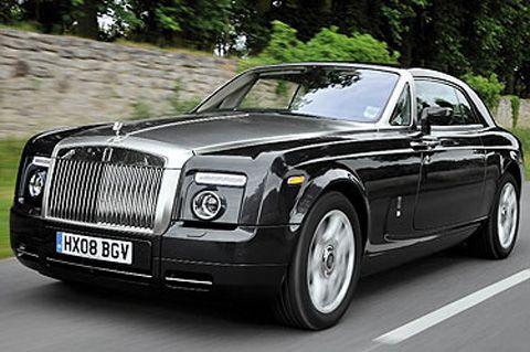 Doua automobile Rolls-Royce au ajuns in Romania in acest an. Portretul romanului care-si cumpara masina de lux