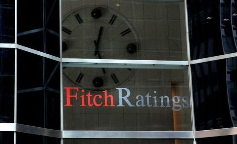 Fitch a retrogradat 7 mari grupuri financiare din Europa si SUA