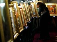 Romanii cu dare de mana investesc masiv in obiecte de arta VIDEO
