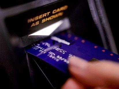 Peste 90.000 de conturi bancare sparte. Gruparea Anonymous anunta ca a piratat agentia de analiza Stratfor