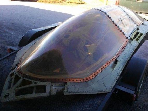 Un prototip de avion  USA TOP SECRET , vandut pe eBay. Cat costa si cum a ajuns acolo