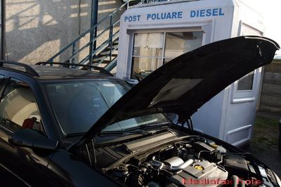 Basescu a promulgat legea privind taxa auto. Cine cumpara o masina pentru care nu s-a platit un astfel de bir trebuie sa-l achite