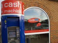 Cu rabdare... ajungi la bani. Metoda prin care o grupare de infractori a incercat sa sparga un bancomat din Marea Britanie FOTO