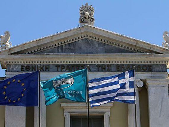 Grecii isi reiau negocierile cu creditorii privati. Vor un acord urgent