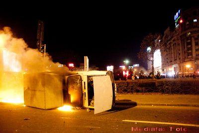 V-a fost avariata masina in protestele din Capitala? Unii asiguratori au clauze care-i absolva de obligatii in astfel de situatii