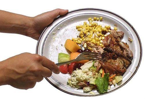 Un european arunca 179 de kg de alimente pe an. UE ia masuri pentru limitarea risipei de mancare