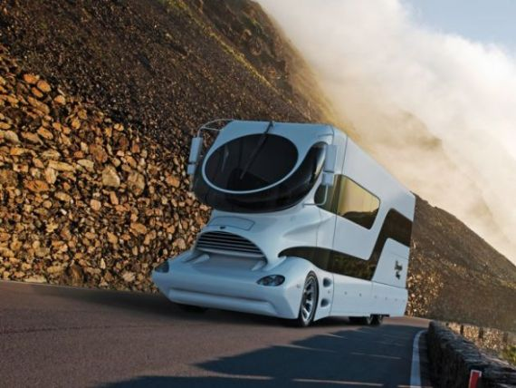 Palatul cu motor  sau cum sa-ti cumperi casa, masina si iaht cu doar 3 milioane de dolari GALERIE FOTO