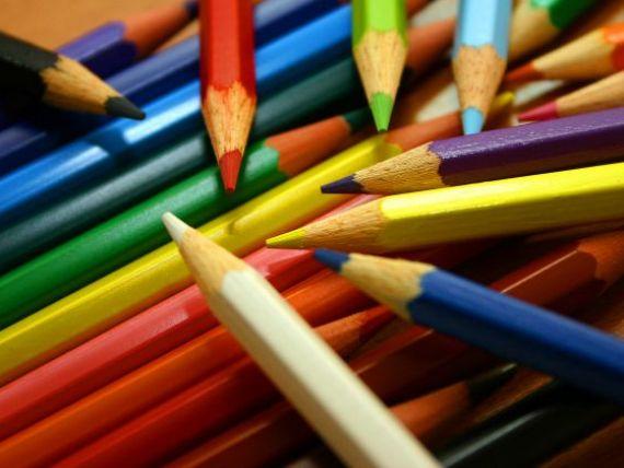 Schimbarile din Educatie: in clasa pregatitoare copiii vor invata jucandu-se, nu vor fi note sau calificative