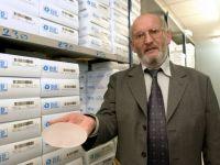 Fondatorul companiei franceze care a folosit silicon neomologat in protezele a 500.000 de femei, arestat la domiciliu