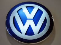 Criza rescrie istoria industriei auto. Doi producatori europeni s-au aliat pentru a face fata gigantului Volkswagen