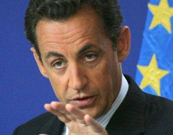 Sarkozy spune ca Europa nu mai este pe marginea prapastiei, dar majoreaza TVA-ul si introduce o taxa pe tranzactiile financiare in Franta
