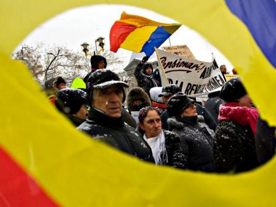 Presa internationala: Romanii care se reunesc in fiecare seara in Piata Universitatii i-au adus demisia lui Emil Boc