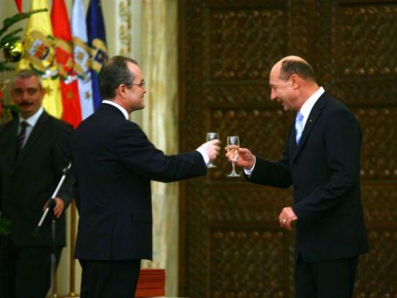 Financial Times considera ca demisia lui Emil Boc ar putea fi o manevra politica a lui Traian Basescu