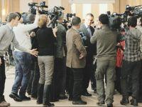 Discutii cu cutitele pe masa in partidul de guvernamant. Boc a tras toti ministrii PDL dupa el. Ungureanu prezinta o echipa de juniori