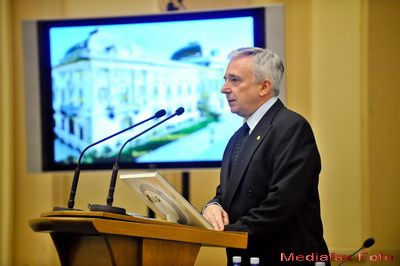 Isarescu: Romania ar trebui sa nu mai incheie un nou acord cu FMI
