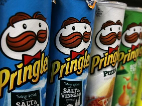 Cartofi de 2,7 mld. dolari. Procter Gamble a vandut divizia de chipsuri Pringles companiei Kellogg