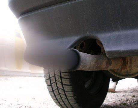 40.000 de euro, taxa de poluare. Reglemetarile UE privind emisiile de dioxid de carbon lovesc sub centura industria auto de lux