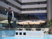 Joburi de vara in insulele grecesti cu 700 euro/luna. Hotelierii din Cipru si Grecia vor sa angajeze 2.000 de romani
