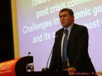 6 riscuri pentru economia mondiala de la Nouriel Roubini citire
