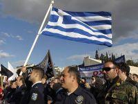 """130 de miliarde de euro, aruncate pe fereastra. Fitch tocmai a retrogradat Grecia de la """"risc substantial"""" la """"default inevitabil"""""""