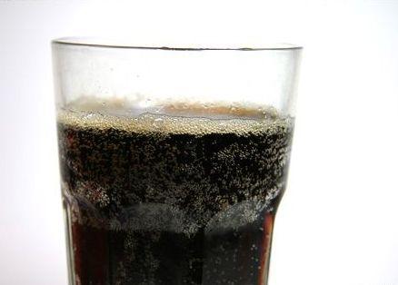 Se gaseste in Coca-Cola si Pepsi si produce cancer animalelor. bdquo;Nu prezinta un risc imediat consumatorilor , spun autoritatile americane